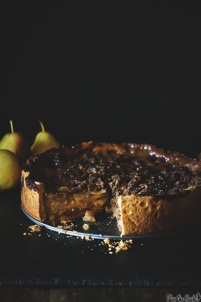 Deep Dish Caramel Pear Pie