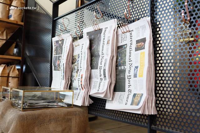 24772140860 921cc710b2 z - 【台中北屯】憲賣咖啡.熱河店:充滿現代感的舒適空間,樓中樓的挑高設計,餐點令人耳目一新,附立食區和外帶區,鄰近文心路諾貝爾書局