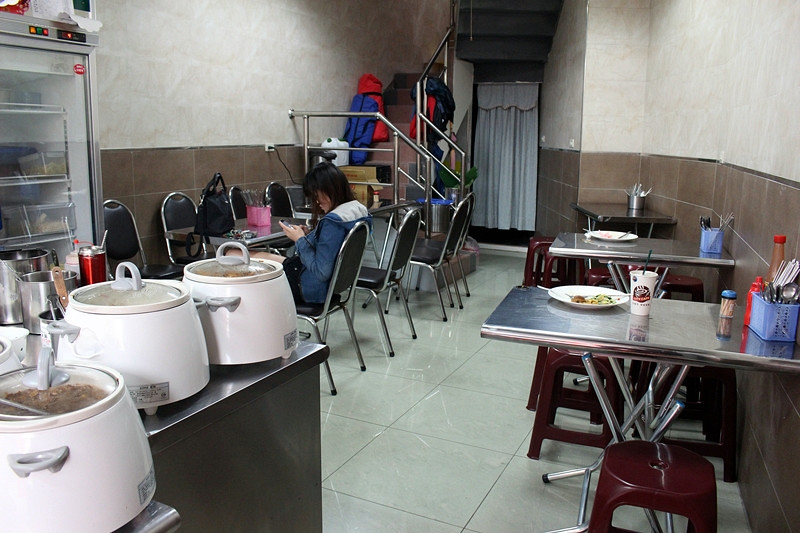 25816497833 90ea61c3aa b - 台中西屯【巧味 異國料理】逢甲夜市眾人推薦的平價泰式料理,便宜又好吃!