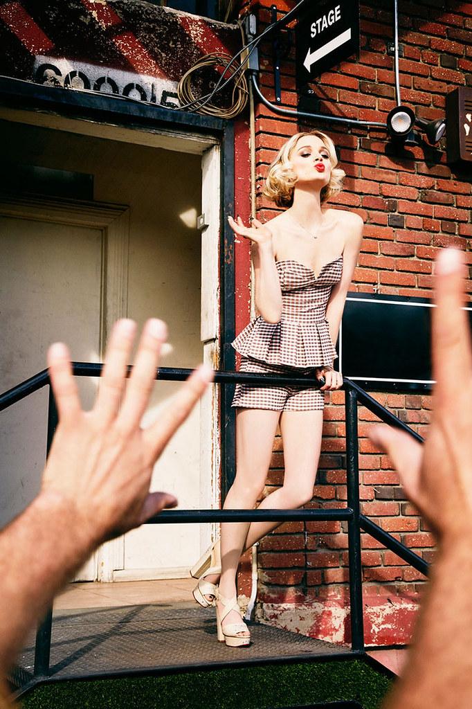 Белла Хиткот — Фотосессия для «Vs» 2016 – 7