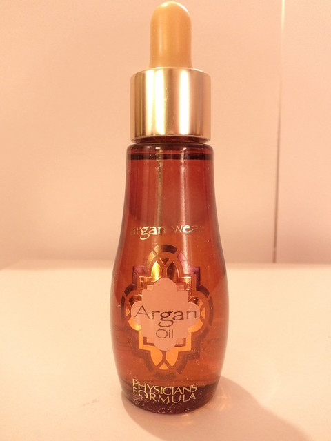 Heavy on Fashion New Year New You 2016: Physicians Formula Argan Oil