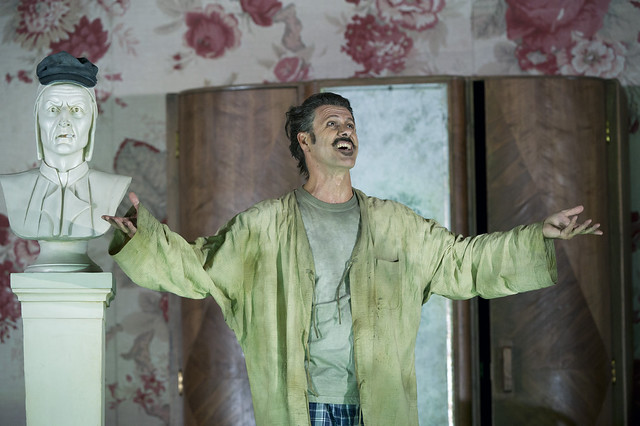 Lucio Gallo as the title role in Gianni Schicchi, The Royal Opera © ROH/Bill Cooper, 2011