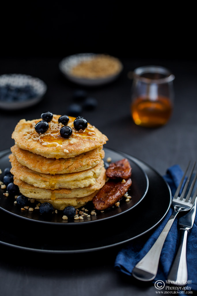 Almond Vanilla Pancakes with Cinnamon Bananas - by Meeta K. Wolff-0054