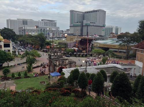 Dataran Pahlawan Melaka Megamall英雄广场