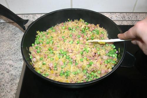 34 - Erbsen verrühren & erwärmen / Stir in & heat up peas