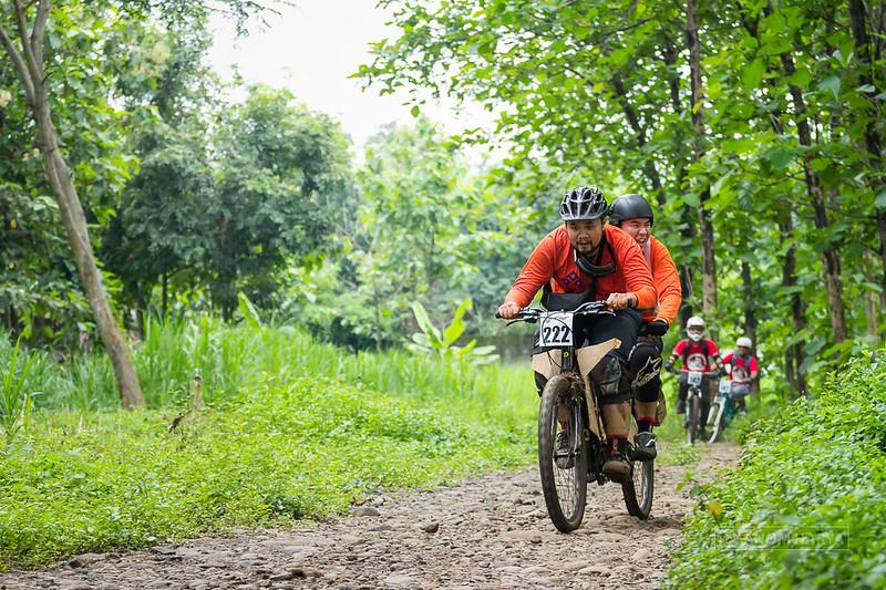 Sepeda tandem pertama di Tutur - Welang