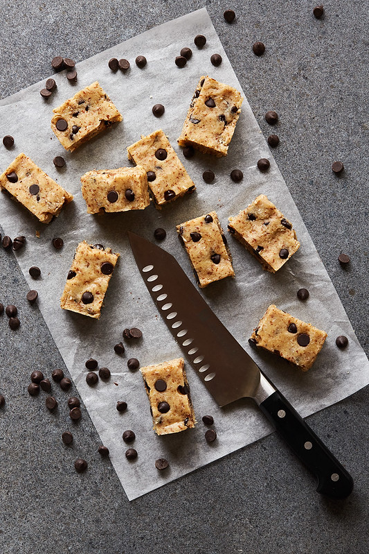 Grain-free No Bake Chocolate Chip Protein Bars