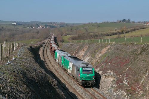 Train de cailloux en provenance de Cusset-03/2016