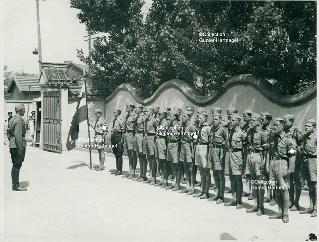 Shanghai, Hitler youth, line up