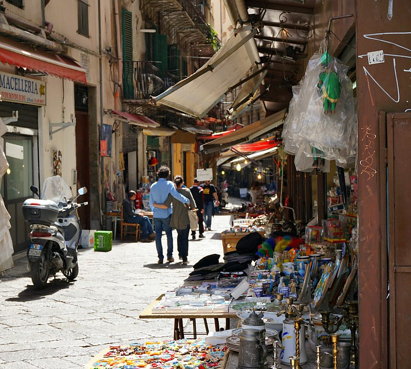 Wandering the back streets of Palermo with Marco of Palermo Streats Food Tour