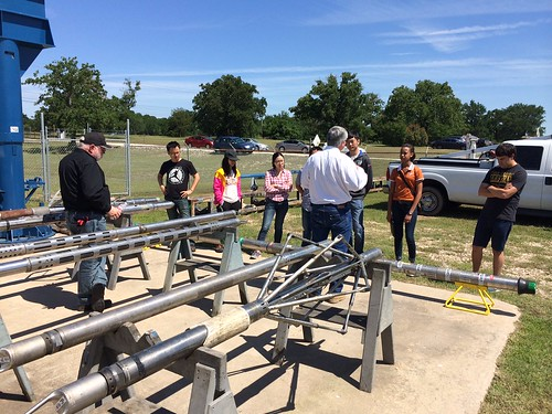 Dr. Torres-Verdin took his PGE 368 students on a field trip to a Baker Hughes site to learn about its operations.