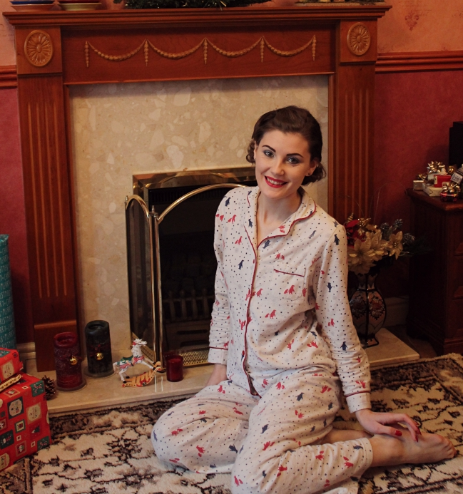retro pyjamas via lovebirdsvintage.co.uk