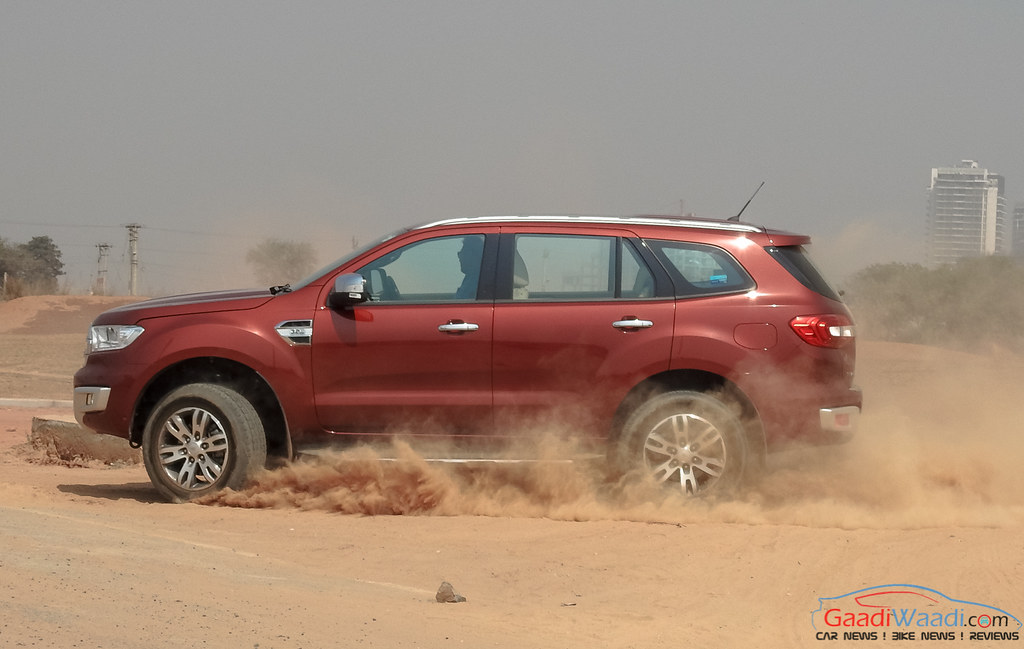 2016 ford endeavour 3.2 review side view