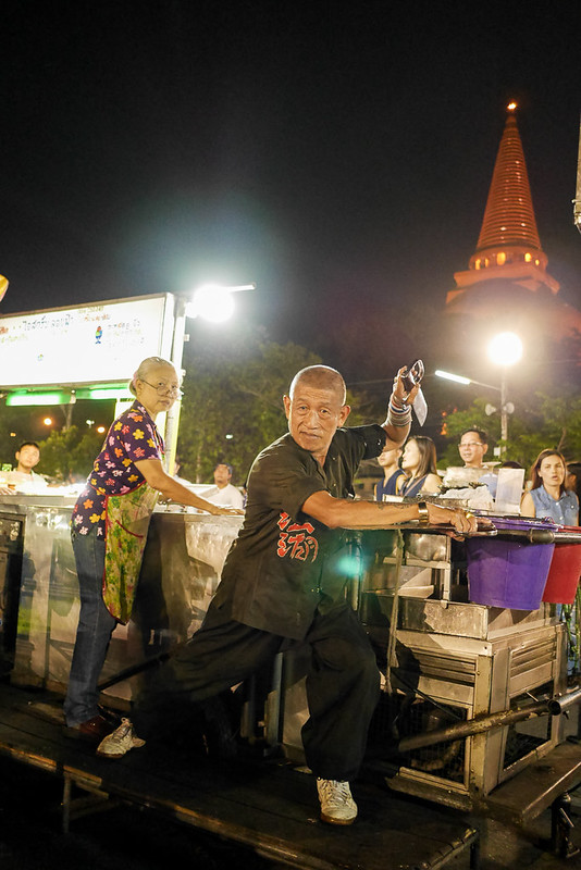 Phra Pathom Chedi_Night_Market_20