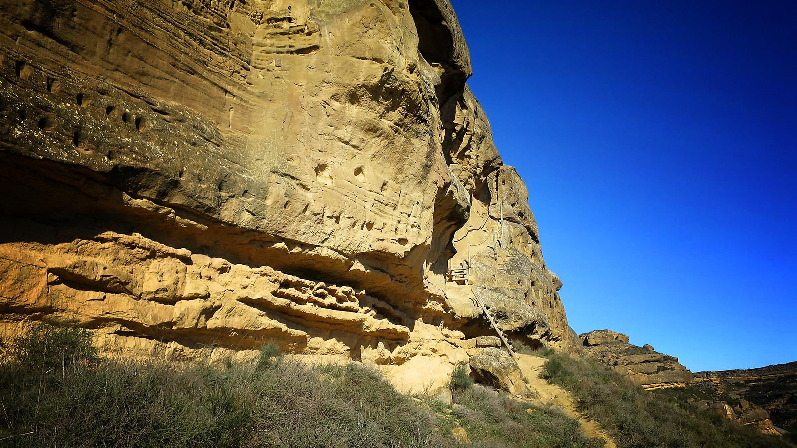 Las Escarpaduras de Piracés: Piracés - Piedra Mediodia - Arboles como arqueología - Calzada Romana