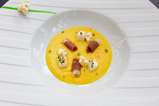 Le maïs Sweet corn velouté, marshmallow and smoked duck breast