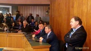 Il sindaco Romagno durante l'incontro No Triv