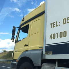 Vrachtwagen onderweg - Photo of Saint-Loup