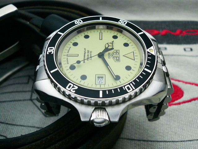 Heuer night diver 42mm the dive watch connection - Heuer dive watch ...