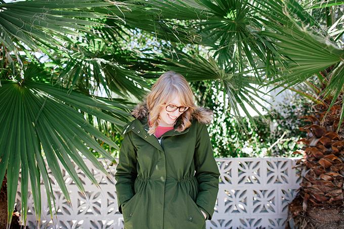 pink blouse green parka2
