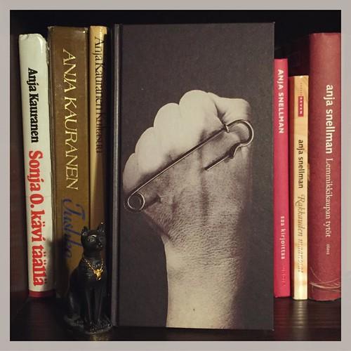 #kirjapäiväkirjat2016 #luettua #anjakauranen aka #anjasnellman #syysprinssi #books #reading #bastet #kirjahylly