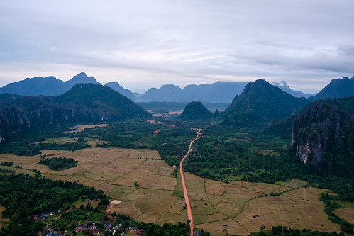 la southeastasia laos vangvieng vientiane hotairballooning