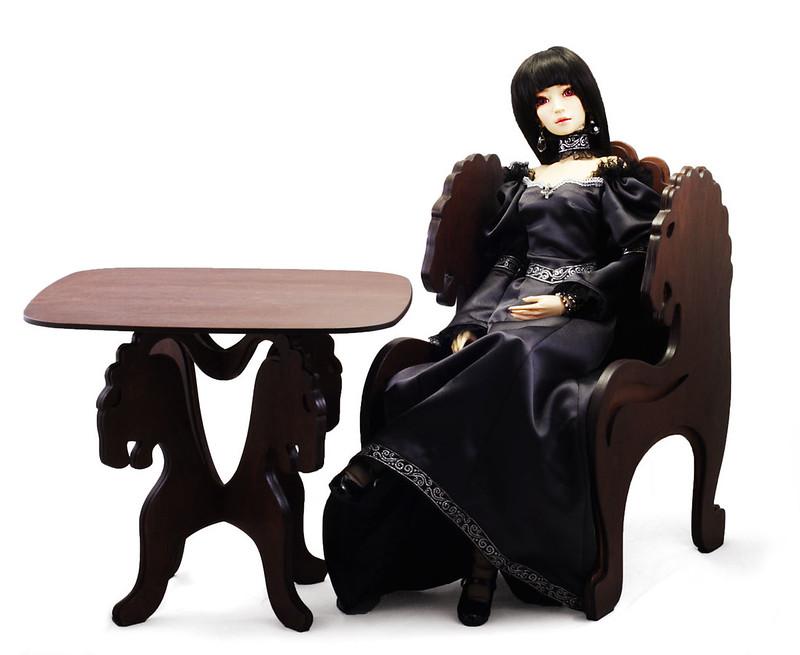 Table Lion& chair Lion