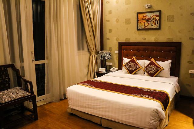 Room of Hanoi Graceful Hotel, Hanoi, Vietnam ハノイ、グレイスフル・ホテルの部屋