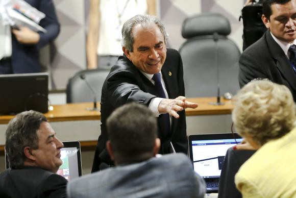 Membro do PMDB da Paraíba vai presidir comissão do impeachment no Senado, Raimundo Lira, do PMDB da PB