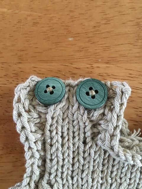Vest buttons