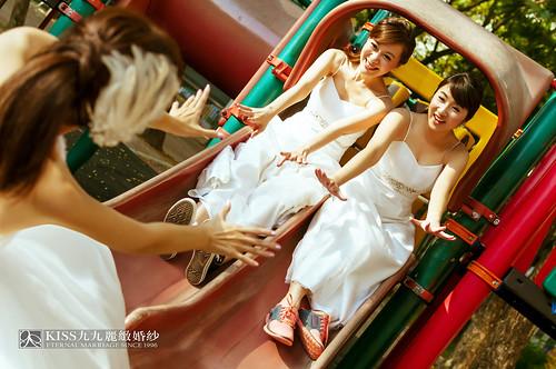 來看看我們在高雄建國國小拍的閨蜜婚紗吧!Kiss九九麗緻婚紗 (19)