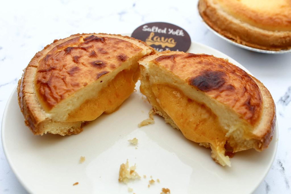 primadeli salted yolk lava cheese tart open