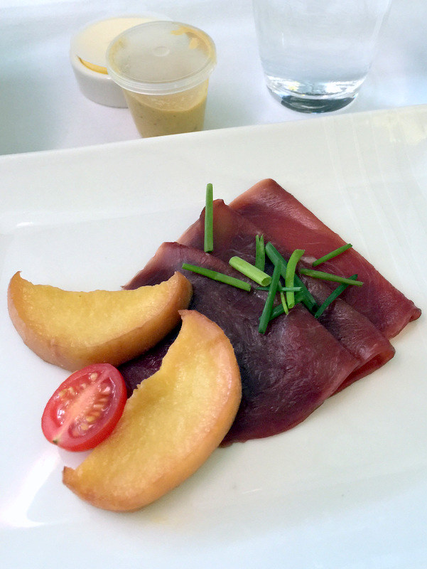 CX 748 JNB to HKG - Smoked Ostrich, Caramelized Apple Slices and Cherry Tomato