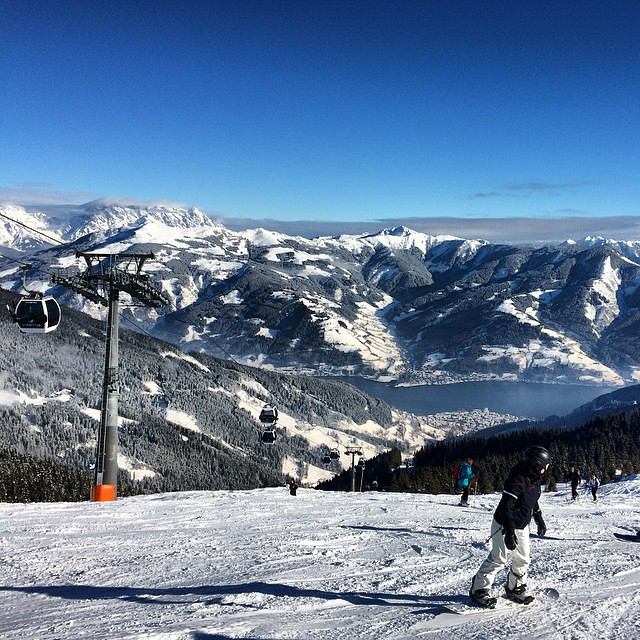 Our first day of 2015 😁 I think I wanna each year to start like that #mountains #austria #zellamsee #ski #holiday #honeys