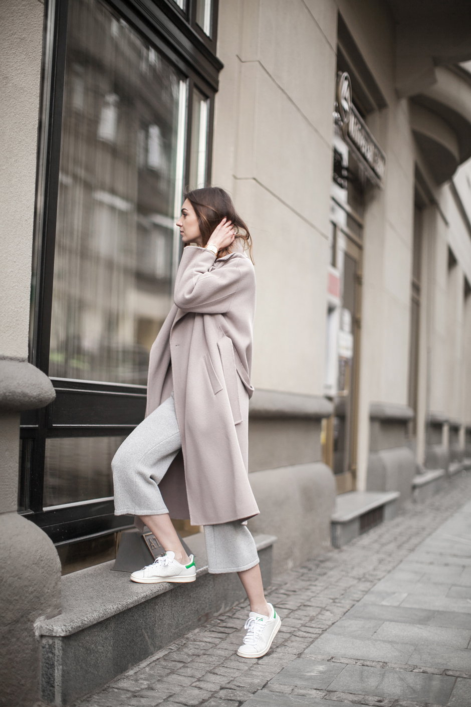 how-to-wear-pastel-pink-coat-outfit-ideas