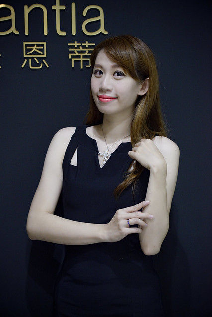 43台北高雄新秘推薦頂級珠寶品婚禮tiffany新秘Pingi推薦Jewelry婚戒primo刻字手指訂製婚禮造型師推薦getmerryweddingmakeupbride #romantic #love#wedding #ring #diamonds #fancydiamond#iprimo #brilliantia #jewelry #fashion部落客推薦DESIGN