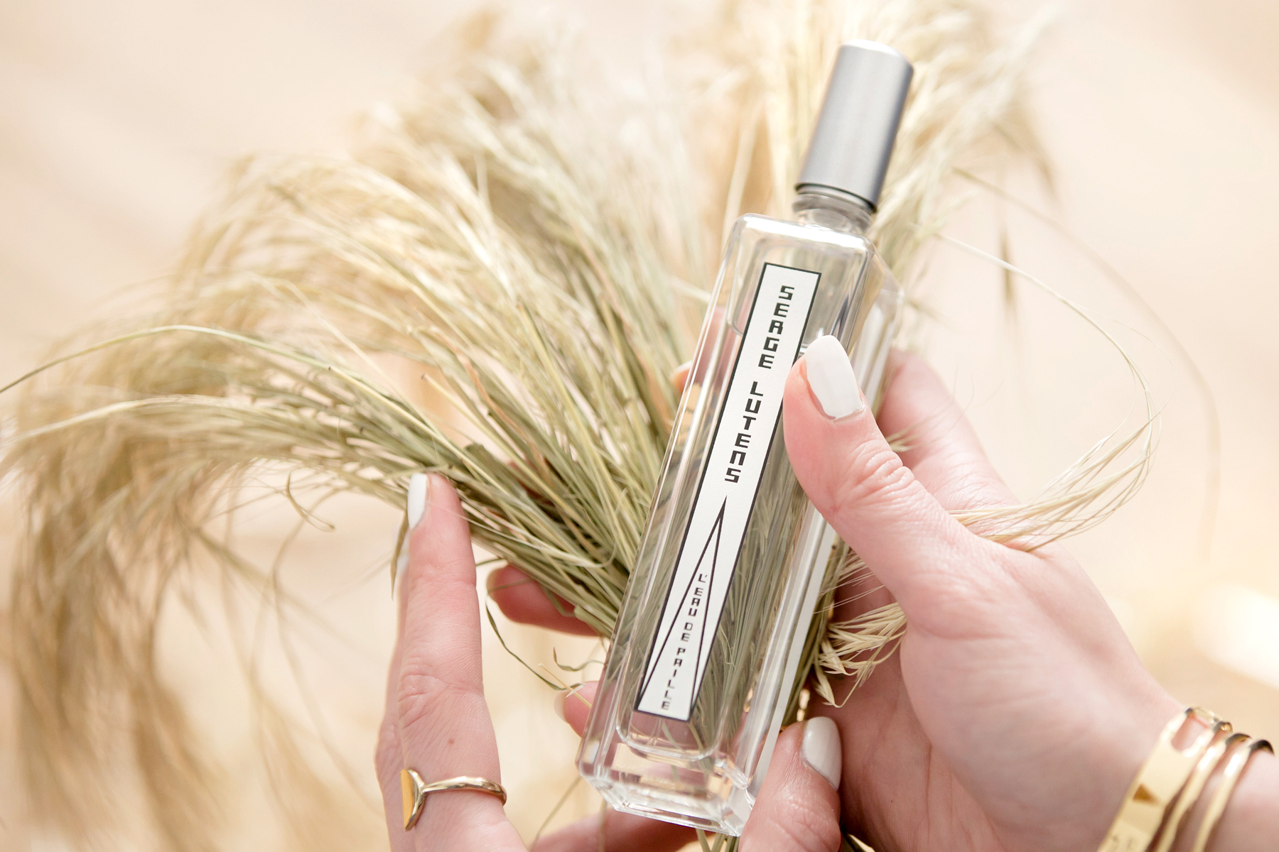 serge lutens l'eau de paille straw stroh land country cowgirl look strawhat heels jeans armerican summer sun chic yellow perfume scent love beauty beautyblogger cats & dogs fashionblog ricarda schernus modeblogger düsseldorf berlin 5