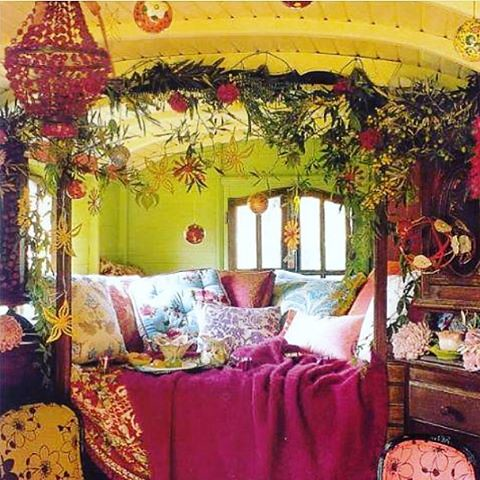 ...mmm? Oh hello, Dream Bedroom! 💚🌞💕