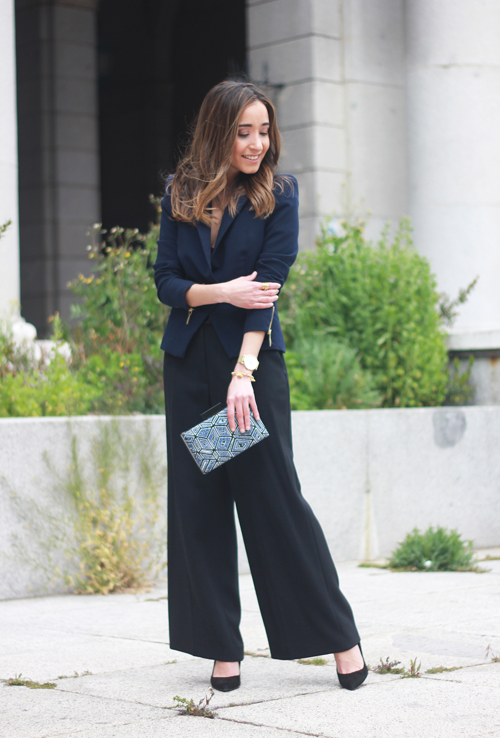 cropped trousers uterqüe clutch blazer accessories outfit style12