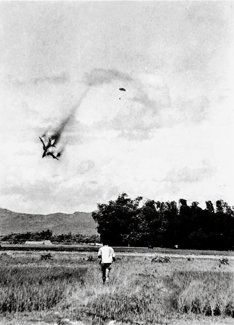 Another Vietnam - Bức ảnh này bị nghi ngờ là một ảnh ghép, được tạo thành từ 3 ảnh khác nhau