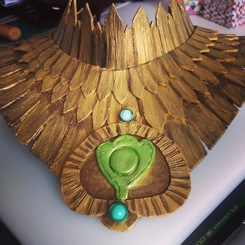 I suck at painting 😭 it almost looked better without the paint 😐 anyway, #morrigan 's necklace is finished 😅 #cosplay #cosplaywip #dragonagecosplay #dragonageinquisition #morrigancosplay