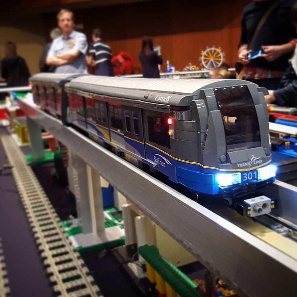 Hey there Vancouverites! Here's a familiar sight for you! Beautiful Sky Train LEGO MOC by William Fong! #LEGO #MOC #building #organization #sorting #collection #AFOL #lego4life #LEGOhaul #riverrock #exhibition #convention #con #LegoCon #BrickCon #BrickCan