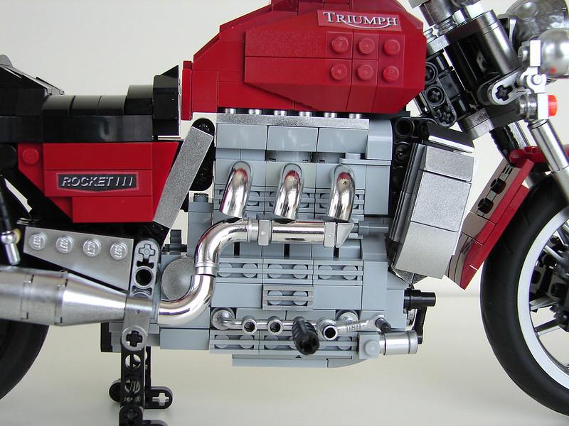 Triumph Rocket III  (21)