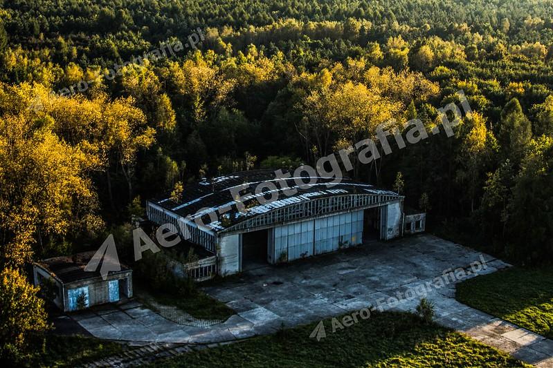 Opuszczony hangar