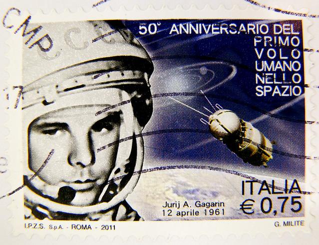 great stamp Italy € 0.75 (April 12th 1961: Juri A. Gagarin; astronaut, cosmonaut; first human in space; Юрий Алексеевич Гагарин) postzegel Italy bollo francobolli porto Briefmarke Italien timbre Italy sellos Italiana selo postage
