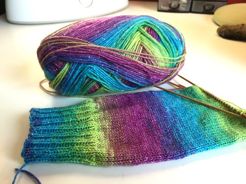 Opal-Happy-Surprise-Silbereffekt_Socken