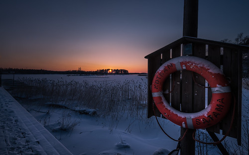winter sunset snow ice finland pier nikon nikkor lifebuoy jyrki kotka d600 1635mm salmi ruonala