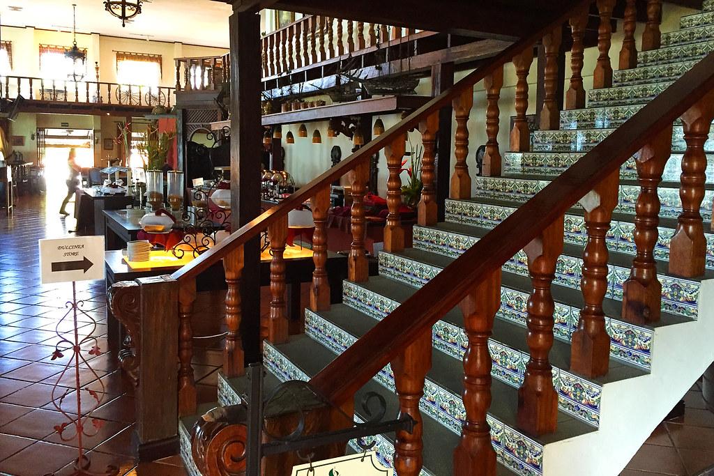 Manuel Antonio Hotel - Parador Resort - Art & Sculptures
