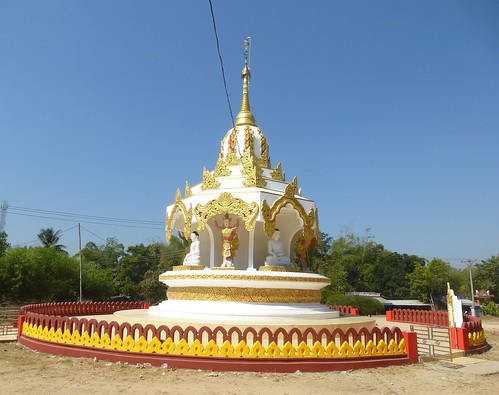 Birmanie-Yangon-Twante-Pagode des serpents (23)