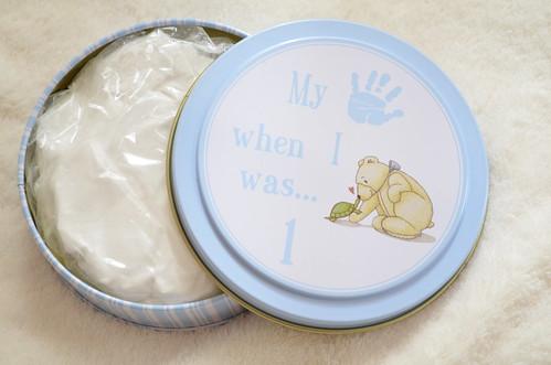 赤ちゃんの手形